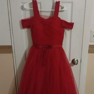 Red tulle prom dress